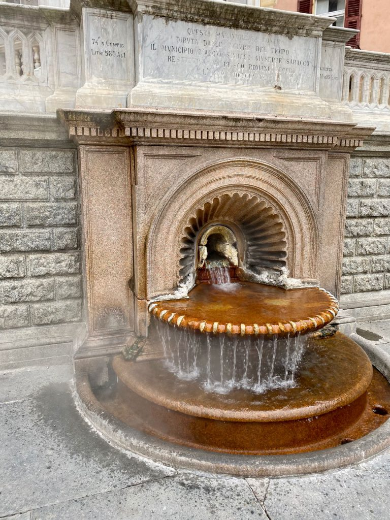 Acqui Terme: 70degrees hot water spring!
